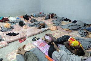 Migrants in cramped cell in Tripoli's Tariq al-Sakka detention facility (UNHCR/Iason Founten photo)